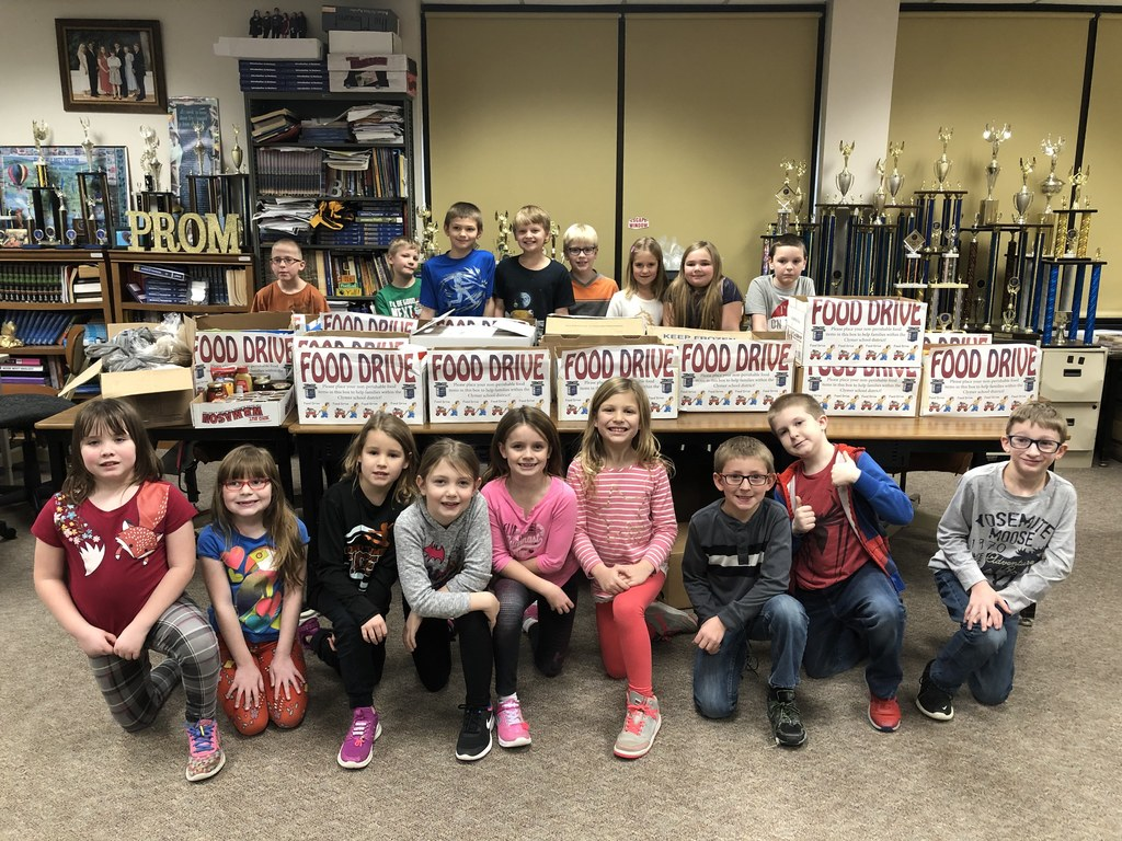 FBLA completed their food drive for the local food pantry today, collecting 712 items. Congratulations to Mrs. King's 3rd grade class for collecting 282 of them. Mr. Shrout's 6th grade homeroom came in 2nd place, collecting 159 items.